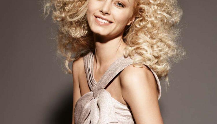 Blond-Dauerwelle